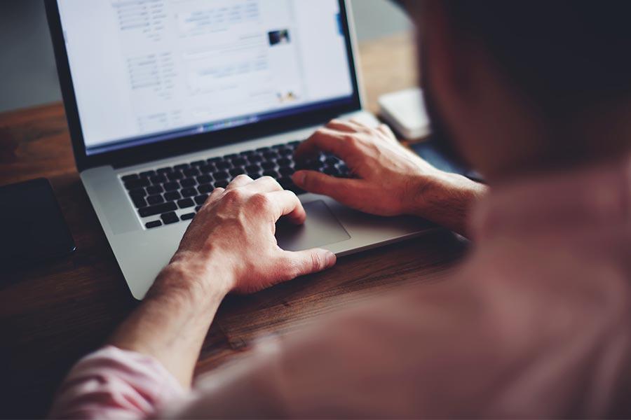 Employee's ingenious way to stop boss catching him browsing web at work