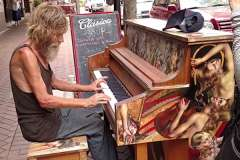 Homeless man offered job after video of him playing piano is released