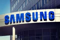 Samsung Electronics considers splitting firm