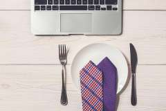 Recruiters only take 15-minute lunch breaks